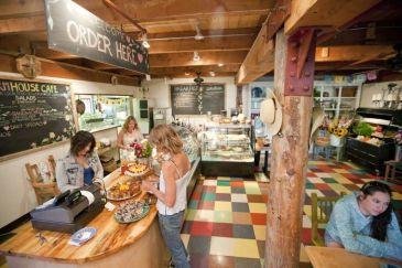 FarmHouse Café & Bakery